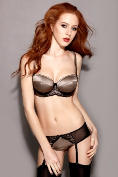 Scarlett Howard ginger lingerie model