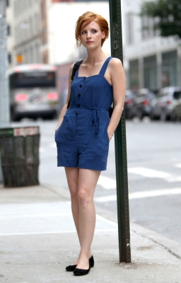 Jessica chastain redhead in blue playsuit